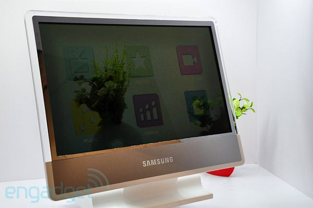 Display transparent de 22 inci, in cateva luni