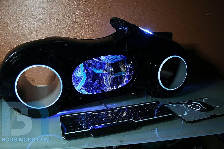 TRON Lightcycle – O carcasa pentru PC mai mult decat reusita