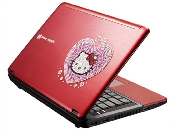 LuvBook S –  un ultra compact cu Swarovsky si Hello Kitty
