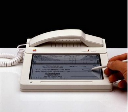 Prototipul iPhone dateaza din 1983. Si are touchscreen!