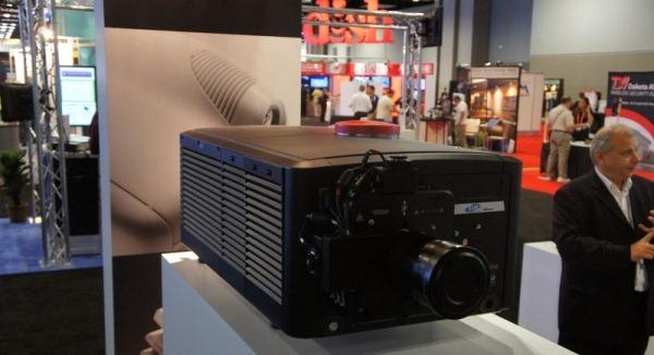 SIM2 ridica standardul home theater cu un proiector 4K