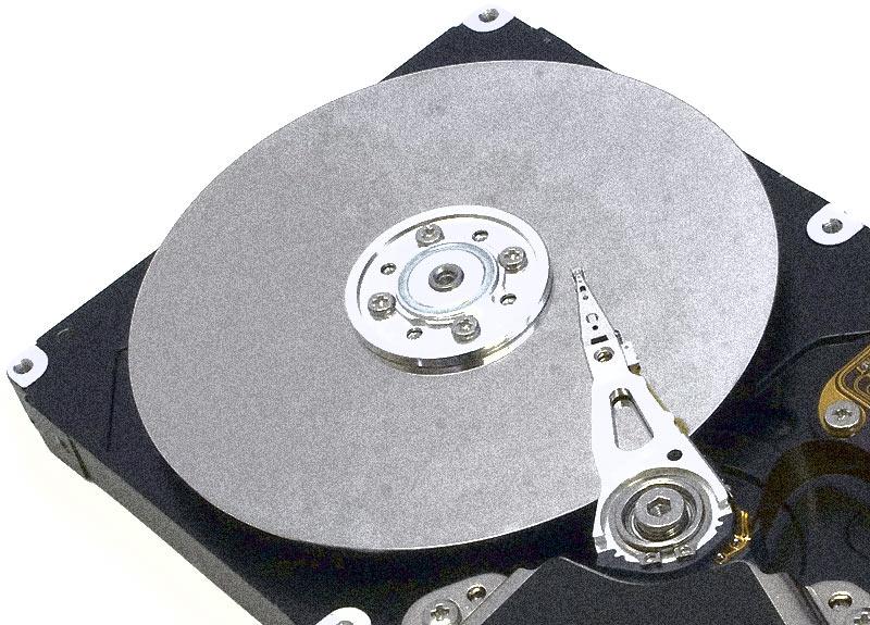"TDK ""inghesuie"" 2 TB pe un platan de HDD"