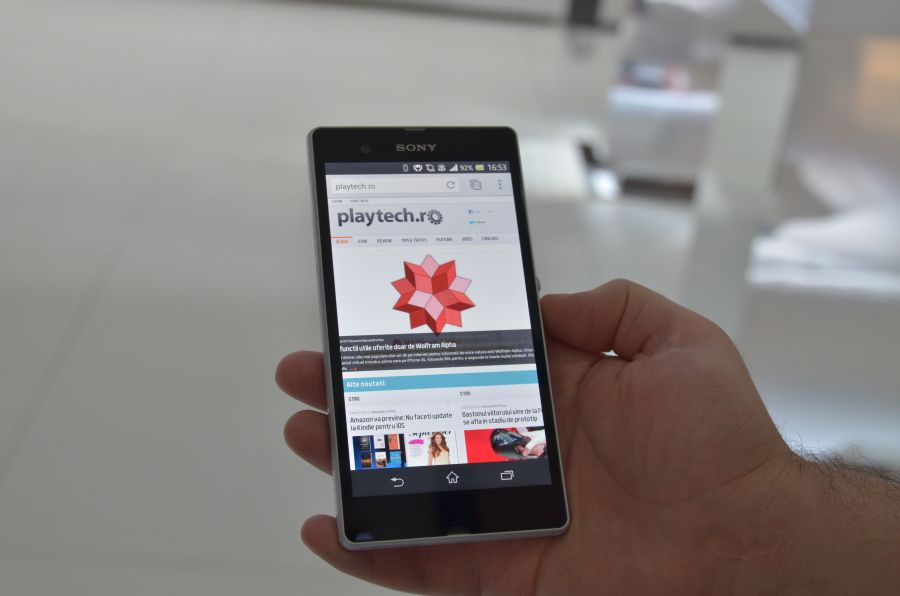 Xperia Z – Revelatia Sony la MWC 2013 [Hands On]