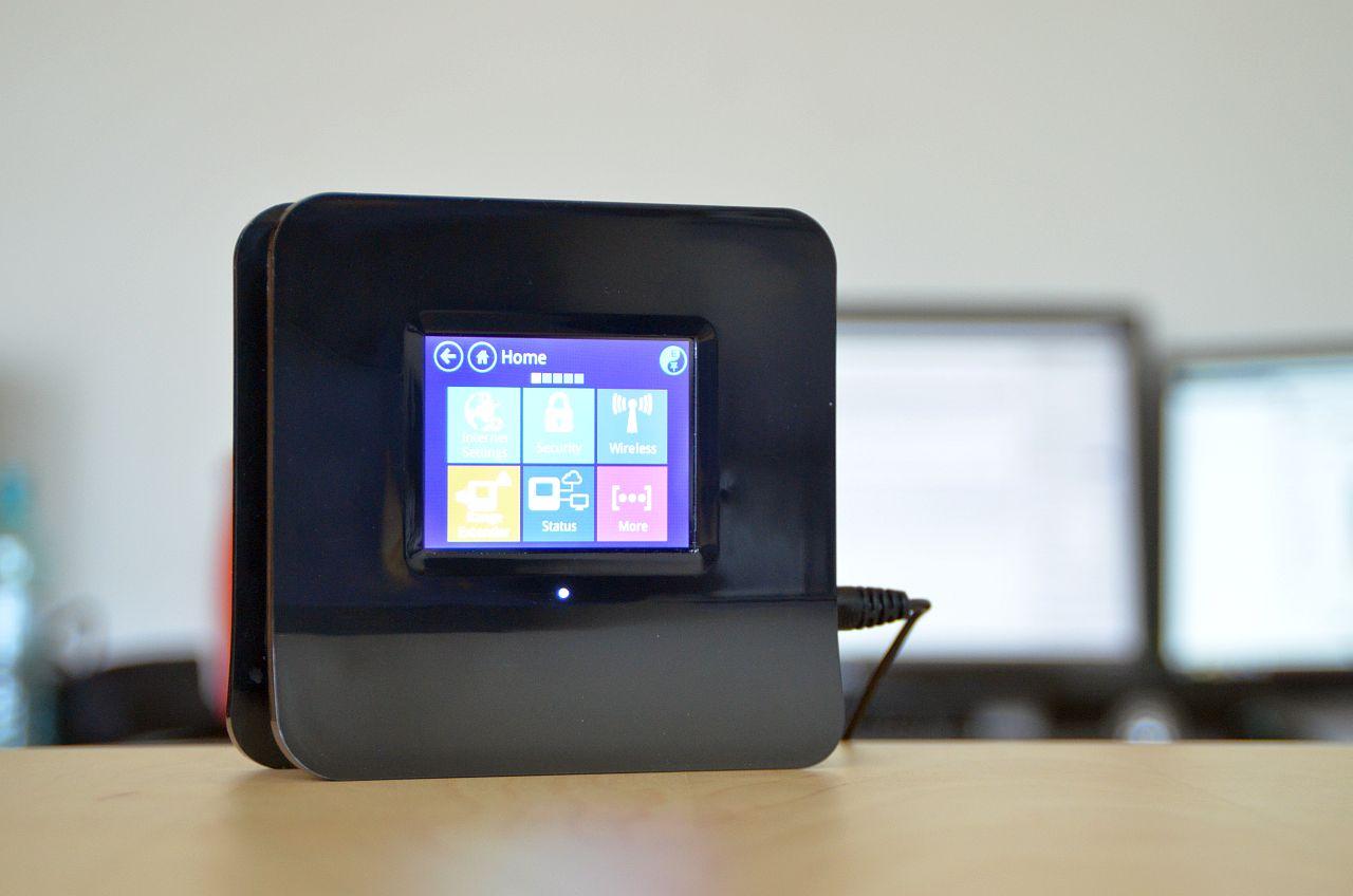 Securifi Almond – Usor de instalat, usor de folosit [REVIEW]