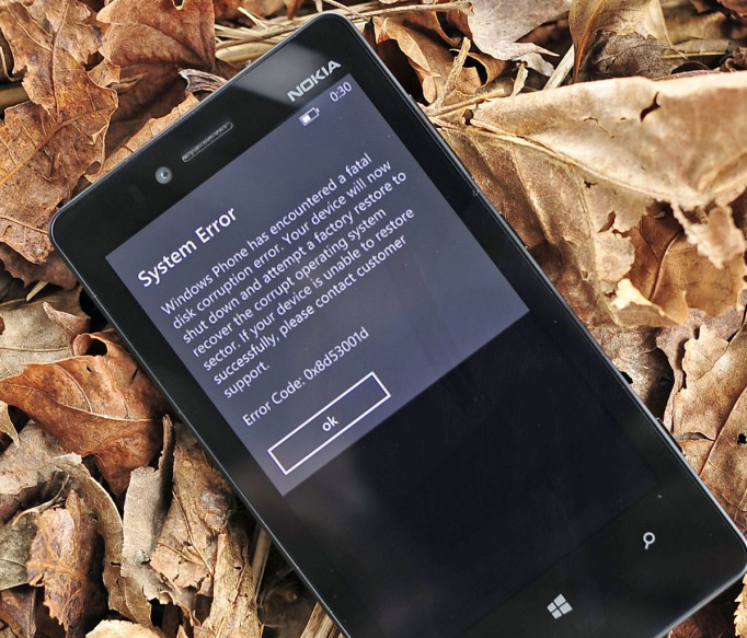 Director Nokia: Microsoft e de vina pentru insuccesul Windows Phone