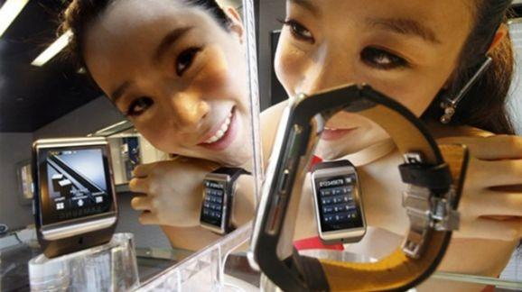 Galaxy Gear functioneaza si cu Galaxy S4, partial [+VIDEO]