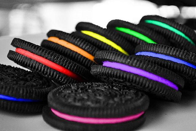 Oreo îşi imprimă biscuiți 3D în culori şi arome diferite