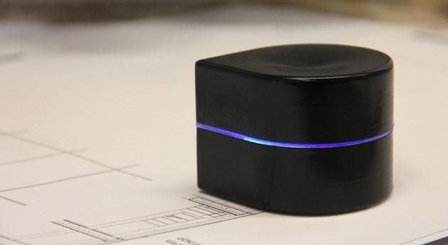 Zuta Labs a anunţat o imprimantă care se plimbă pe hârtie [VIDEO]
