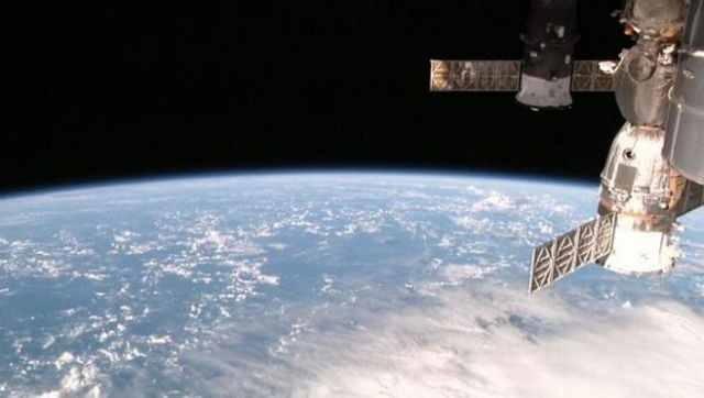 Cum puteţi vedea din spaţiu planeta Pământ live, în HD [VIDEO]