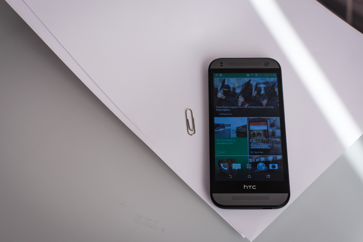 HTC One Mini 2: mini One la maxi preț [REVIEW]