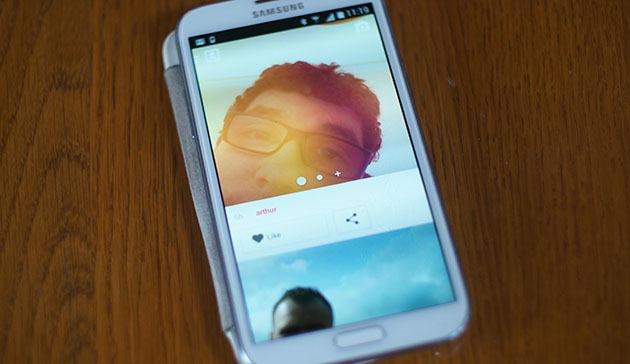 Surpriză! Noua aplicaţie Selfies face ce zice în titlu