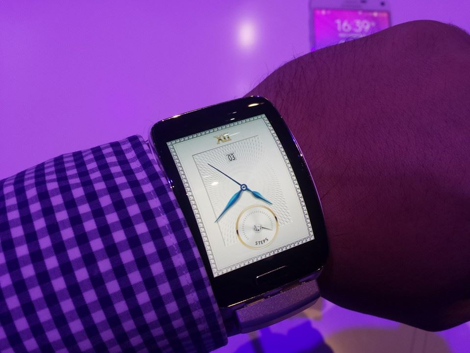 Samsung Gear S, la mâna noastră [VIDEO Hands-on]