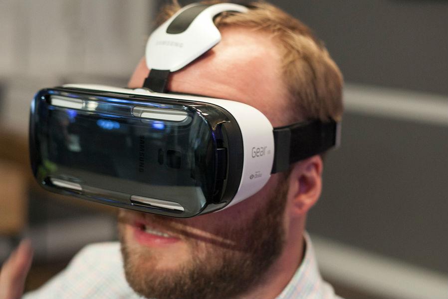 Ne-am pus Samsung Gear VR la ochi [VIDEO Hands-on]