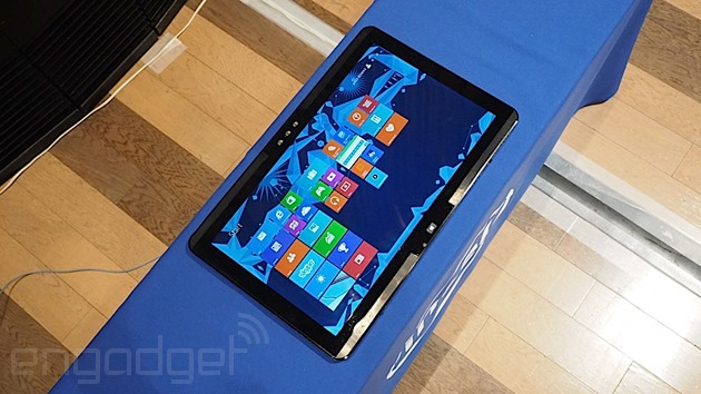 Intel reinventează conceptul all-in-one cu o tabletă de 20 de inci [VIDEO]