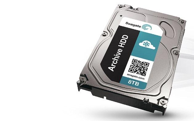 Cu o tehnologie nouă, un hard disk Seagate de 8TB este mult mai accesibil [VIDEO]