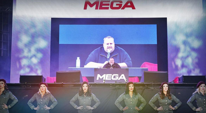 """""""Regele pirateriei"""", la 3 ani după Megaupload: Luptă cu guverne, Skype și pentru șefie în cloud"""