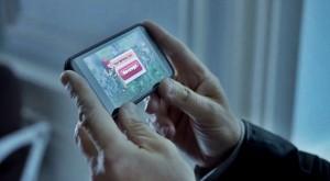 """""""Nervosul"""" Liam Nesson pierde la Clash of Clans, dar produce o reclamă foarte bună [VIDEO]"""