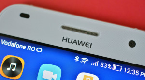 Când va fi lansat Huawei P8 și ce dotări îi pregătesc chinezii