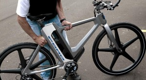 Bicicleta inteligentă Ford te va face să renunți la mașină [VIDEO]
