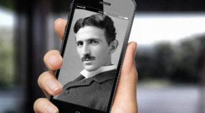 Cum vedea Nikola Tesla primul smartphone acum 100 de ani? Aţi fi uimiţi