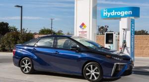 Toyota Mirai se vrea un rival serios pentru Tesla