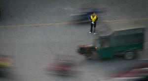 De ce șoferii chinezi omoară intenționat pietonii loviți