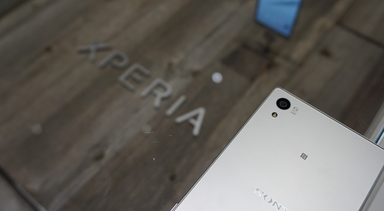 """Sony Xperia Z5 nu a ajuns încă """"la tarabe"""", dar deja are prețul redus"""