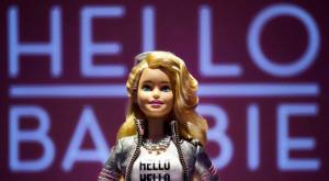 Păpușa Barbie devine inteligentă și poate vorbi cu copilul tău