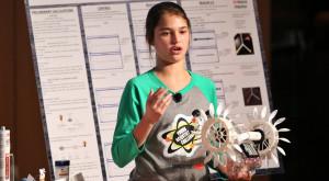 O fată de 15 ani a inventat un dispozitiv care obține energie din valurile mării