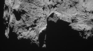 Puteți vedea toate fotografiile sondei spațiale Rosetta pe site-ul arhivelor foto ale ESA