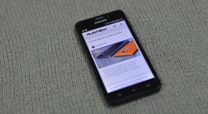 Philips Xenium V526 este o baterie de 5000 mAh cu un telefon modest [REVIEW]