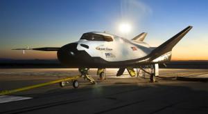 NASA a ales cele trei companii private care să aprovizioneze Stația Spațială Internațională
