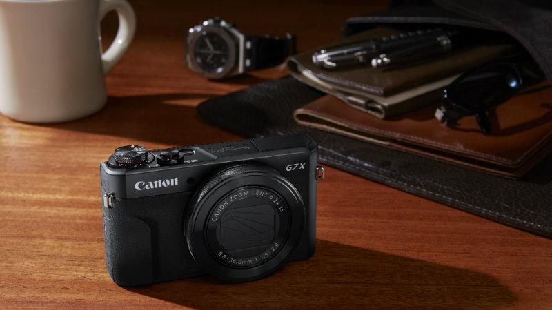 Canon lansează două compacte și un DSLR pentru publicul semi-profesionist