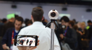 Samsung Gear 360, camera care va construi realitatea virtuală
