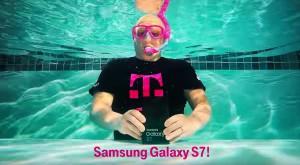 Primul unboxing la Galaxy S7 are loc sub apă