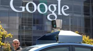 Google patentează camioanele de livrare care se conduc singure