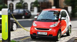 """Cum ar putea vehiculele electrice să """"ucidă"""" benzina"""