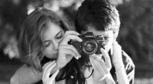 Cadouri de Valentine's Day la reducere pentru cei care iubesc fotografia