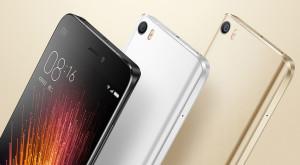 După Apple, și chinezii ar putea reveni la telefoanele cu ecrane mici