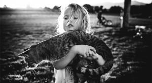 Viața fără electronice: fotografii cu copiii care nu au făcut cunoștință cu tehnologia