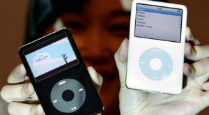 Pentru ce sume fabuloase ai putea vinde un iPod vechi pe eBay