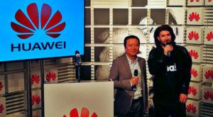 Huawei își întărește poziția în România luându-l pe Smiley drept ambasador