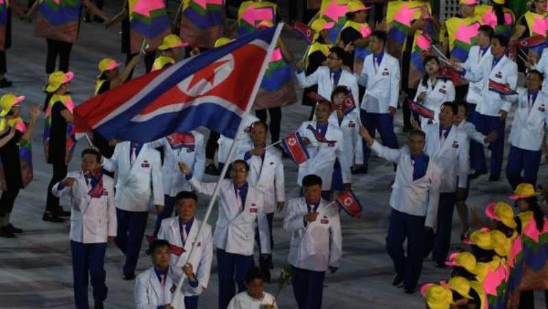 Sportivii din Coreea de Nord nu au voie să accepte telefoanele Samsung Galaxy S7