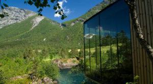 Casa din filmul Ex Machina este un hotel de lux în Norvegia