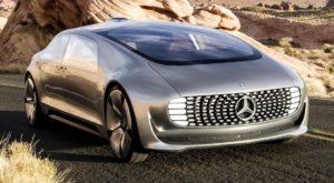 Mercedes dezvăluie pe cine va salva mașina autonomă în caz de accident
