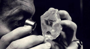Diamantele ar putea sta la baza noii generații de hard disk-uri