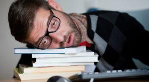 De ce ar trebui să dormi înaintea unui examen important