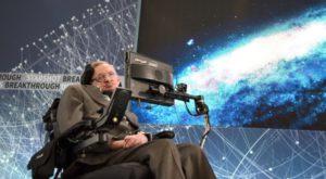 Stephen Hawking spune că nu mai avem mult de trăit pe Pământ
