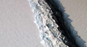 """Un ghețar din Antarctica, de mărimea unui județ, se """"rupe"""" de continent"""