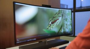 HP Envy Curved AiO 34 este cel mai mare și performant all-in-one